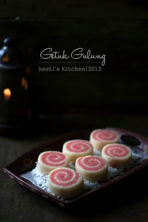 HESTI'S KITCHEN : yummy for your tummy...: Getuk Gulung