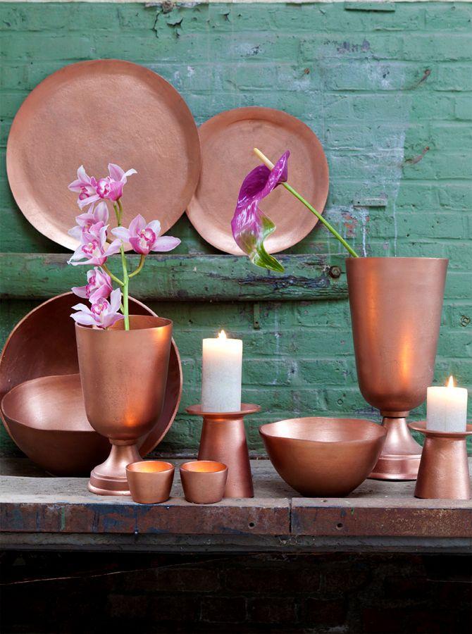 Koper, koper en nog eens #koper! alles is mogelijk in koper. Mooi te combineren met groen of blauw! http://www.decohome.nl/assortiment/producten/motip/huis-en-hobby-effectlak-koper-zilver-of-goud