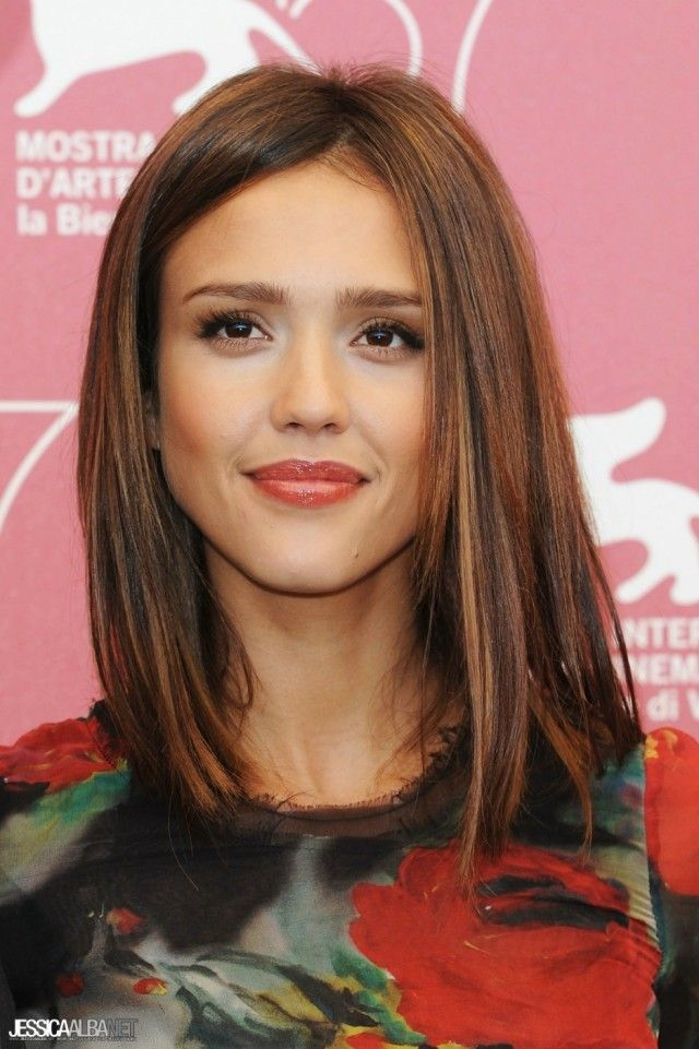 Coupe cheveux mi long jessica alba