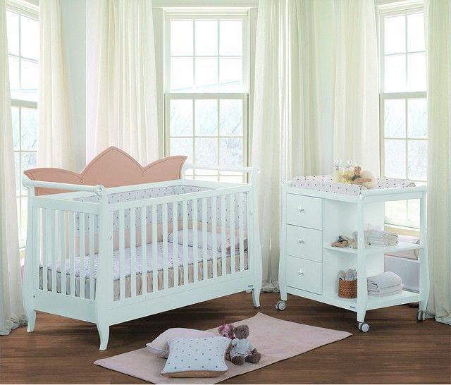 Luxe babykamer met Swarovski diamantjes!
