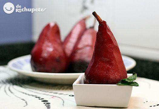 Un postre muy típico en los hogares españoles, por su facilidad en la elaboración y la sencillez de los ingredientes. Ideal para aprovechar el vino tinto de estas fiestas navideñas.
