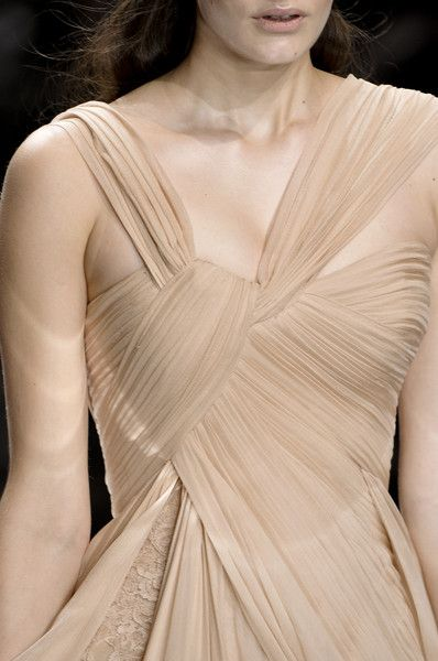the knot detail at the top of this Elie Saab gown would be great for a sari-dress twist at top