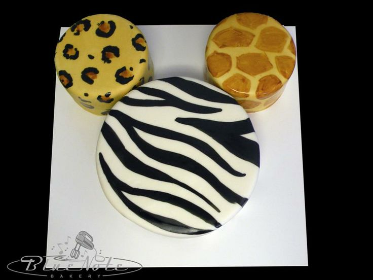safari mickey cake