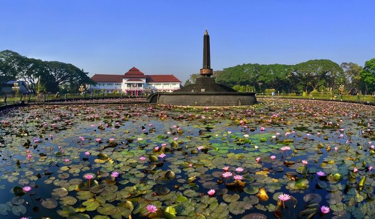 Tugu - Laut Bunga Teratai - by DiBe