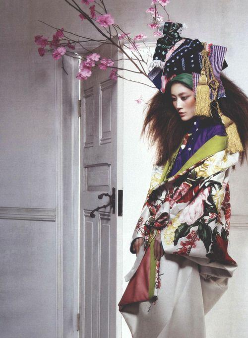 Lee Hyun Yi wears Christian Dior by Hyea Kang for Vogue Korea, June 2010.