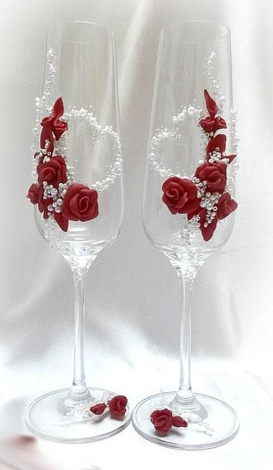 Polymer roses on wine glasses