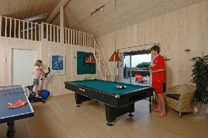 Ferienhaus: 320 m2 Luxus-Poolhaus in Sonderklasse für 22 Personen, nur 150 Meter von der Nordsee
