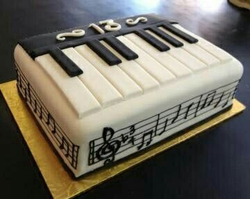 Cake Design Pianoforte : 25+ best ideas about Piano cakes on Pinterest Music ...