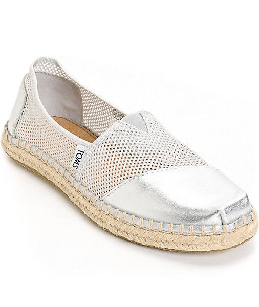læder leather silver sølv mesh sommersko damesko ladies dame TOMS tom's sko shoes canvas slipon slip-on sandal buy one give one charity velgørenhed gummi classics klassisk