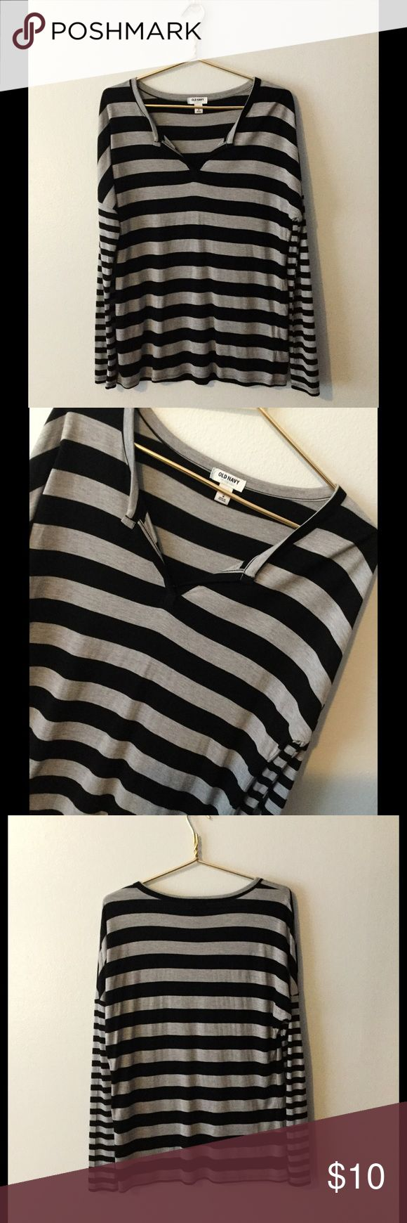 Old Navy women's top Long sleeve gray and black striped top. Looks brand new! Old Navy Tops Blouses