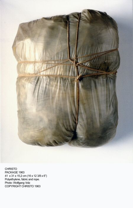 Google Image Result for http://www.carnivalofvenice.com/wp-content/gallery/open-10-christo-and-jeanne-claude-usa/package1963.jpg
