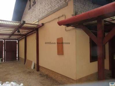 Miskolcon, a Jászai Mari utcában megszületett egy 2 szobás-nappalis TÉGLA építésű, GÁZCIRKÓS ikerház. Ez az otthon 2006-ban TELJES KÖRŰ FELÚJÍTÁSon eset...
