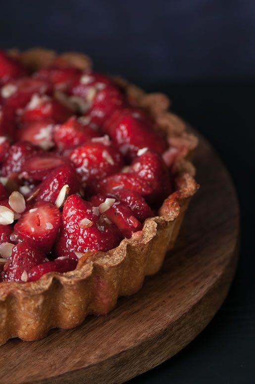 23 Delicious Recipes for National Strawberry Cream Pie Day: Fresh Strawberry & Cream Pie