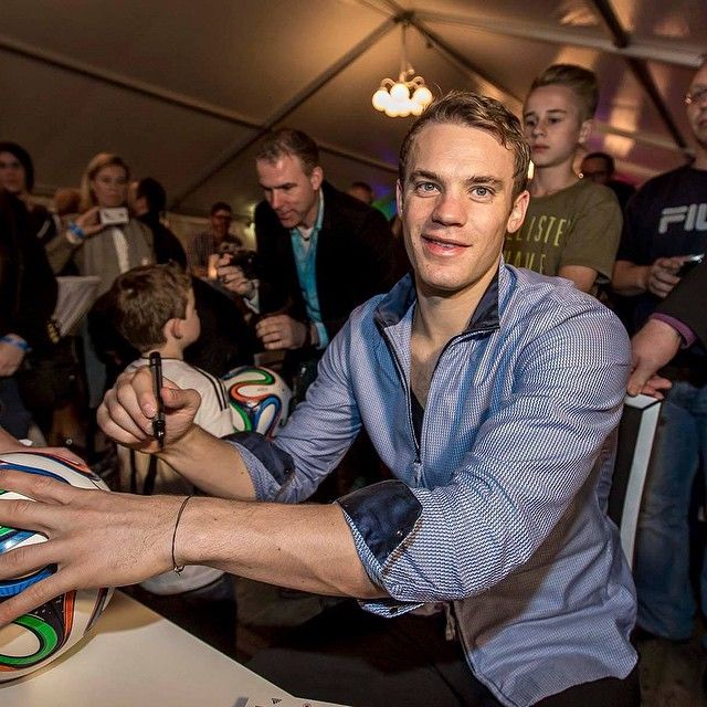 71 best my husband images on pinterest manuel neuer football players and soccer players. Black Bedroom Furniture Sets. Home Design Ideas