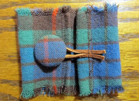 Etsy - Clan Fraser Hunting Tartan wrist cuff by MountainviewMemory @Liv D'Amico @Caitlin Schlabach @Lindsey Mills