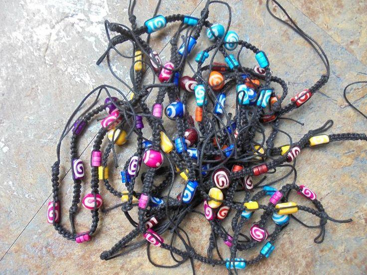 10 Freundschaftsarmbänder aus Indien Hippie Goa Set 2 Großhandel Armband neu lot                                                                                                                                                      Mehr