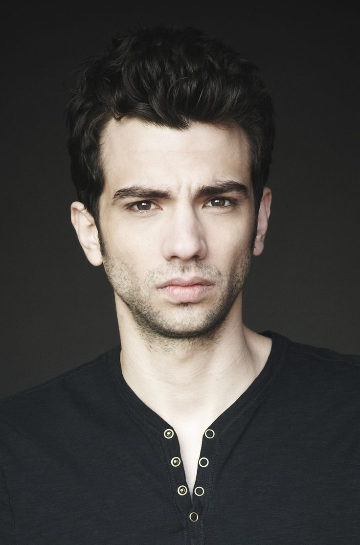 Jay Baruchel. I may have an itty bitty (HUGE) crush on this man ;)