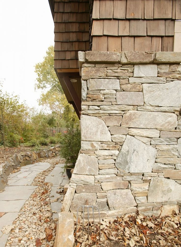 674 best exteriors images on pinterest arquitetura for Stone veneer vs brick cost
