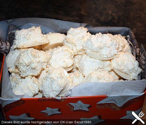 Kokosbusserln, die einzigen echten (siehe Text), ein raffiniertes Rezept aus der Kategorie Kekse & Plätzchen. Bewertungen: 98. Durchschnitt: Ø 4,5.
