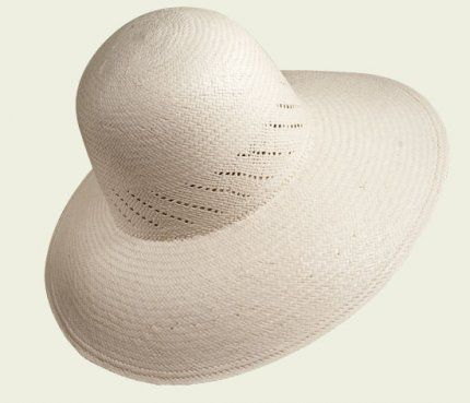 Pointed Panama Cloche   #hat #hats #womanhats #bianco #panama #cloche #clochehat #accessories #white