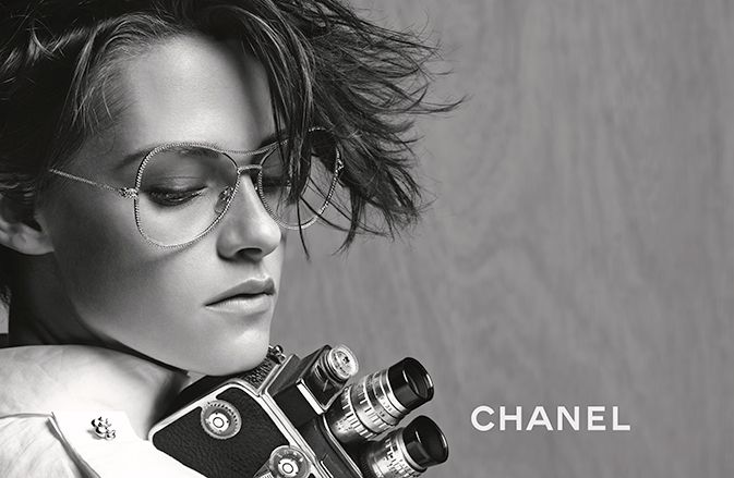 SPRING-SUMMER EYEWEAR CAMPAIGN – Chanel News - Fashion news and behind the scene features
