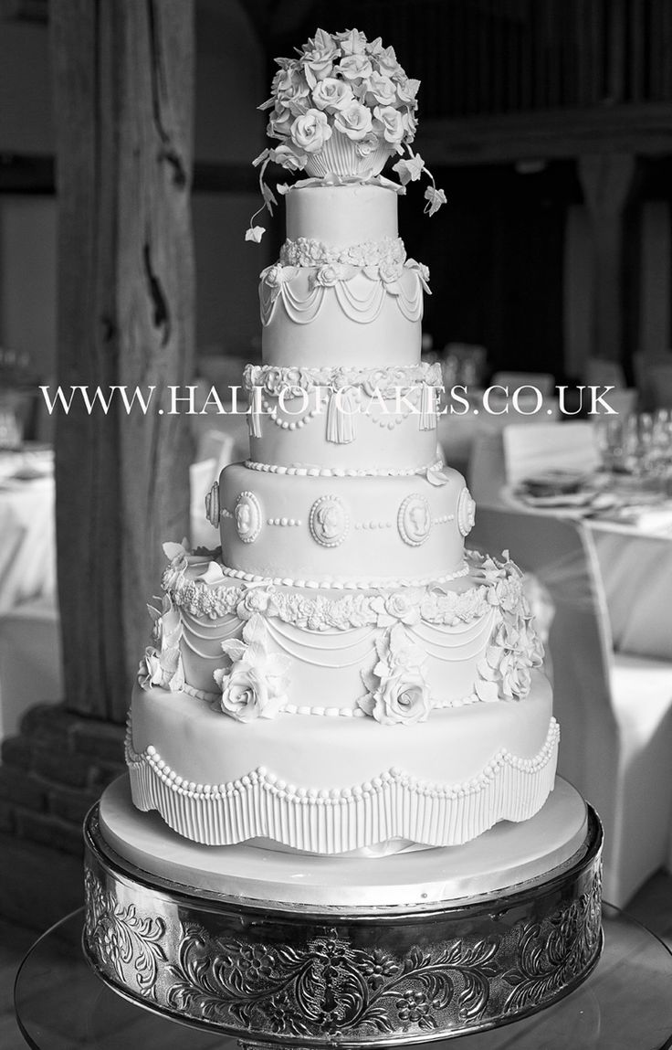 wedding cakes traditionally white 10 best all white wedding cakes images on 25749