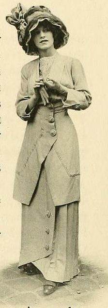 1910 Paris Fashion - http://www.flickr.com/photos/charmainezoe/5595807321/in/photostream/