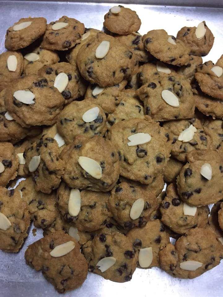 Resepi Biskut Choc Chip Ala Famous Amos Confirm Jadi Gaul Pakai Senduk Je Kue Coklat Chip Memanggang Kue Resep