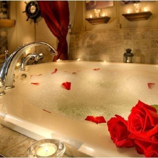 This warm, relaxing bath would go good with some classical music, candles, wine (if that's your thing), maybe a good book as well :) good relaxation time! - #YankeeCandle #MyRelaxingRituals