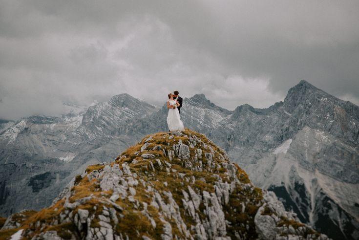 Hochzeit auf der Karwendelspitze bei Mittenwald www.gipfelliebe.de