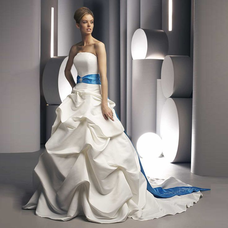 Alice 2017 Bridal Gown High Quality Satin White Pleated Wedding Dress Vintage Embroidered Blue Sash Bride vestido De noiva