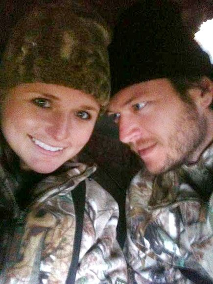 CAMO CUDDLE   photo | Blake Shelton, Miranda Lambert