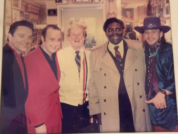 From left to right: Jimmie Vaughan, Kim Wilson, Roy Acuff, B.B. King, Stevie Ray Vaughan