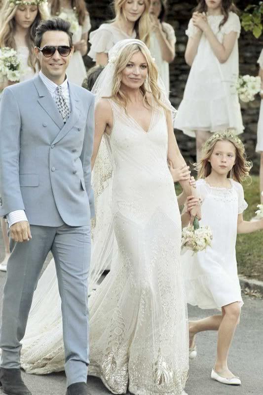 Best 25 kate moss wedding dress ideas on pinterest john moss kate moss gatsby inspired wedding dress by galliano greatgatsby katemoss junglespirit Choice Image