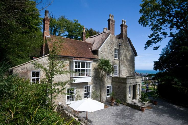 Have a #relaxing #holiday in the Isle of Wight this #summer. Enjoy a #comfortable stay at Hillside Ventnor, Isle of Wight and have #fun by the #beach. http://bit.ly/1tVnCmq