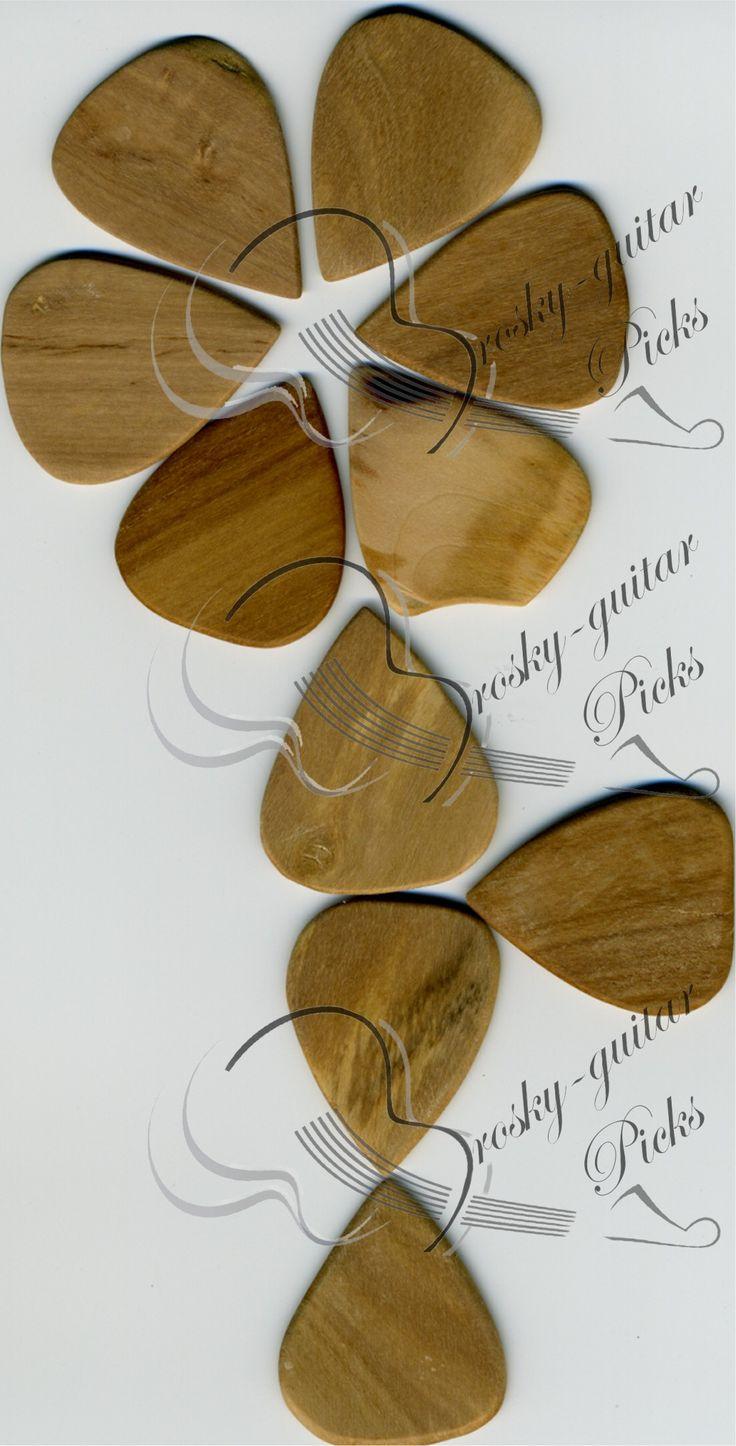 """wild olive wood guitar picks;  PLETTRO IN OLIVASTRO. legno duro e """"Bastard inside"""". Povero ed avaro sopratutto con se stesso; durante l'essicazione si screpola con delle lesioni radiali. Ha un profumo così debole e un sapore insipido, colori tenui e cianotici. #InstaTags4Likes #guitarpick #pick #pop #inciso #hardshirt #plettro #cool #custom #bass #key #musician #musician #musicista #music #sign #wood #hardrock"""