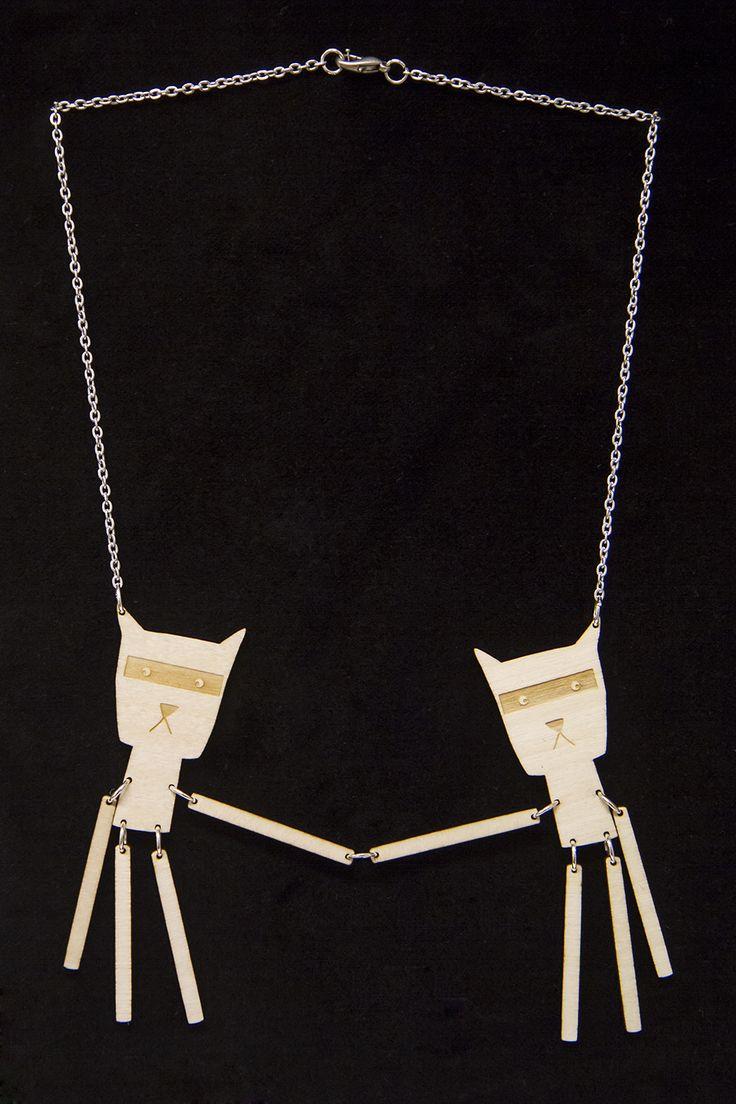 Cat necklace. Cat jewellery. www.kikerigu.fi