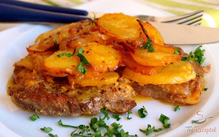Egy pikáns és laktató ebéd, amihez már a köretet sem kell külön elkészíteni. A tejszínes-burgonyás sült sertéstarja alapját a finom, fűszeres hús adja, amit karamellizált vöröshagymával finoman fűszerezett burgonyával együtt egyszerűen beteszünk a sütőbe és készre sütjük. A végeredmény puha, kellően szaftos és fantasztikusan finom húsos fogás, ami már a köretet is tartalmazza. A tejszínnek és a sütésnek köszönhetően a felső réteg burgonya kellően ropogós. Ha nagyon meg szeretnénk…