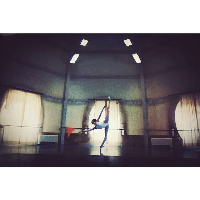 Katherine Higgins, rehearsing at the Paris Opera Ballet, studio Zambelli.  #penché #zambelli #saturday
