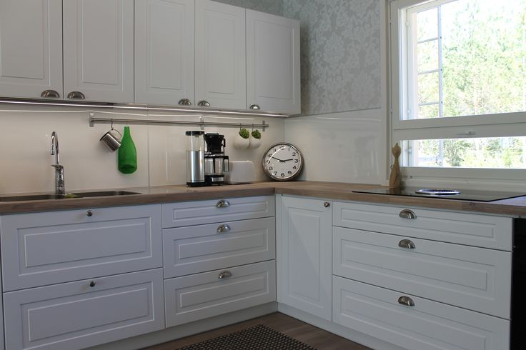 #keittiö # valkoinen #vaalea puu #massiivitaso #teräs #somisteet # my kitchen #white #steel # wood