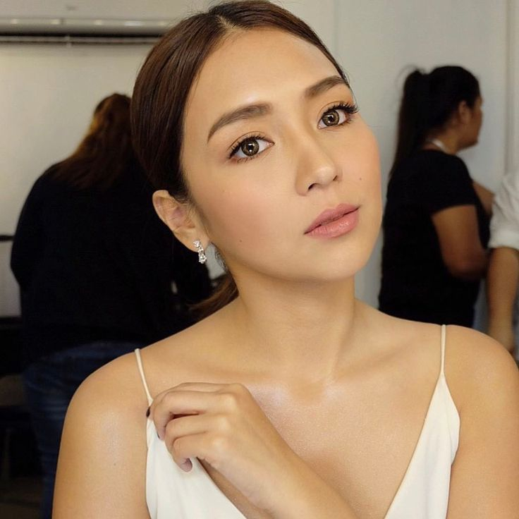 Pin By Rasvel Ford On Kathniel Graduation Makeup Bridal Hair Sparkly Makeup