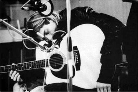 Kurt Cobain | Acoustic guitar, Guitar, Acoustic