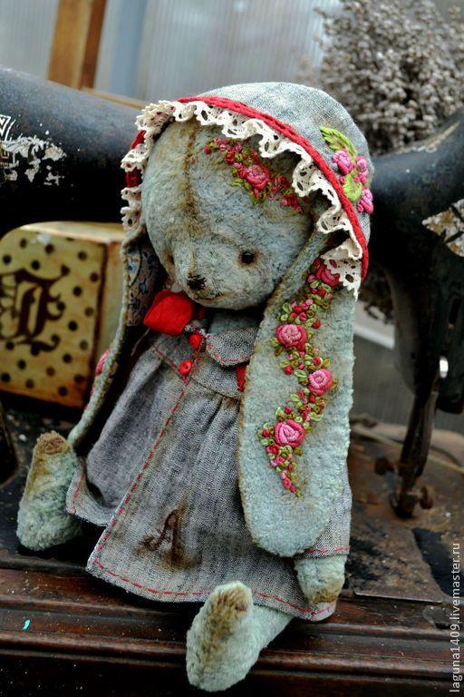 """Мишки Тедди ручной работы. Ярмарка Мастеров - ручная работа. Купить Плюшевая зайка """"Анютка"""". Handmade. Разноцветный, коллекционные игрушки"""