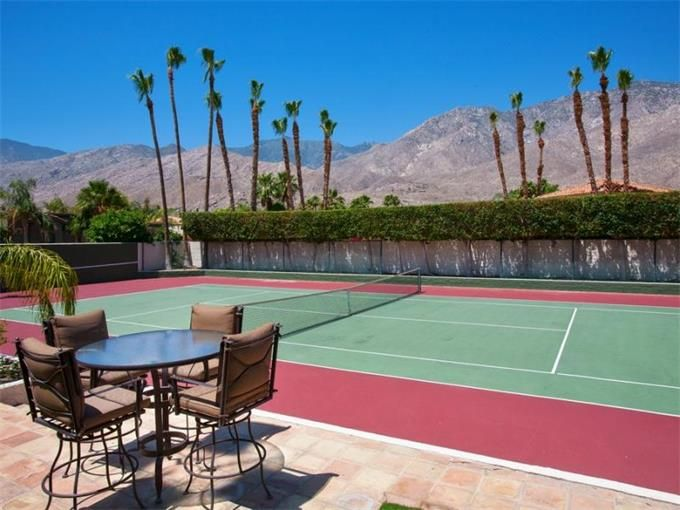 singles in palm springs