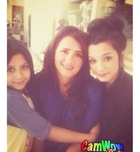 Zayn Malik's mother Patricia (Trisha) Malik and his sisters Safaa and Waliyha Malik ♥ #onedirection