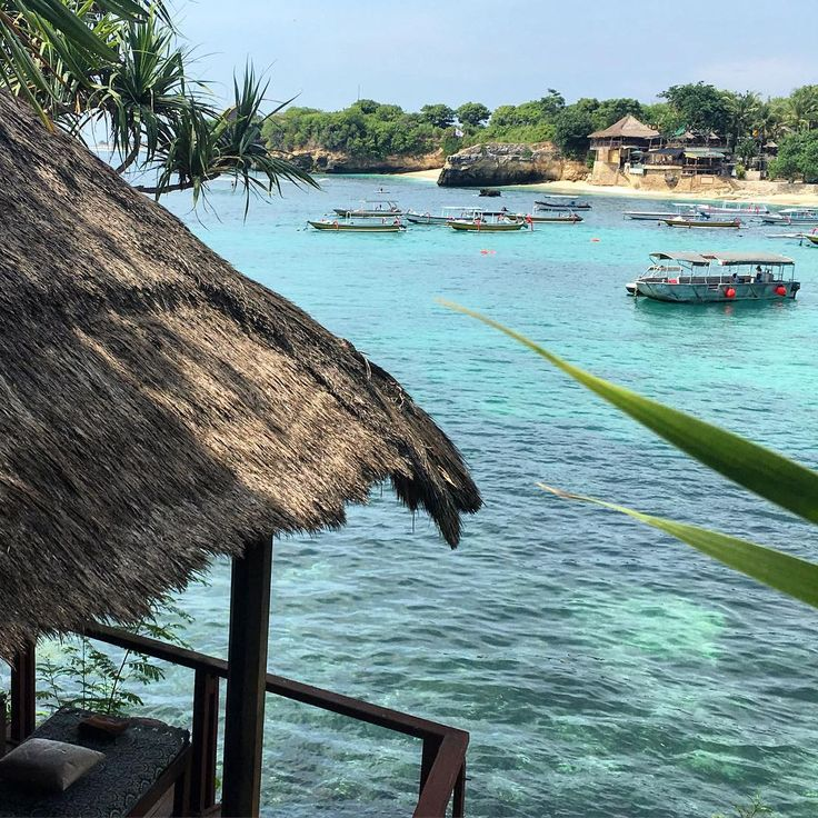 Mushroom Bay, Nusa Lembongan. Such a lovely part of the island. The water, the beach & the beach bars. Such fun!! Oh, and the pavilion you see there is the massage spot... Amazing spot for a treatment. . .