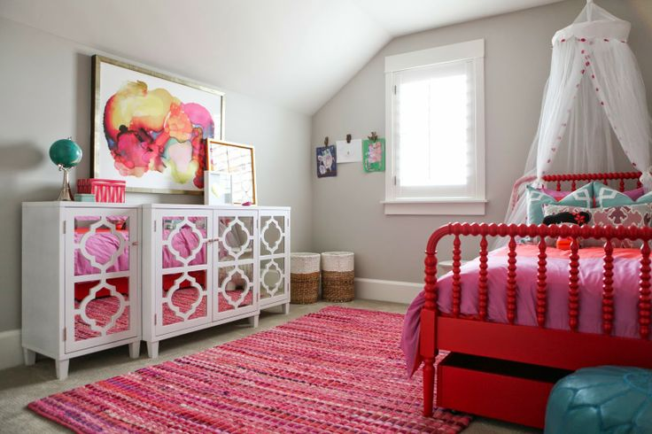 Pretty Girl's Bedroom! 6th Street Design School