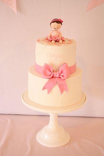 Pretty bow first birthday cake