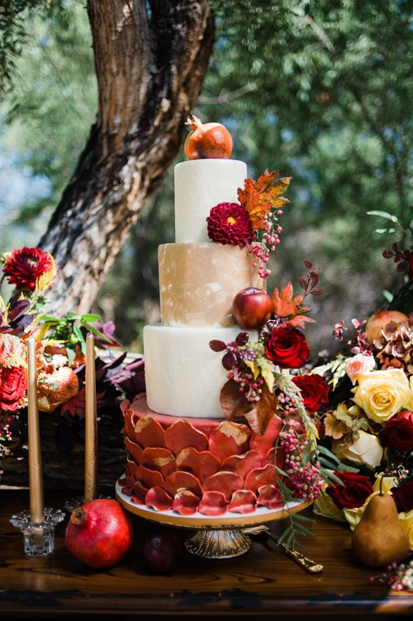 fall wedding inspiration with berries - photo by Brittany Michelle Photography http://ruffledblog.com/fall-wedding-inspiration-with-berries