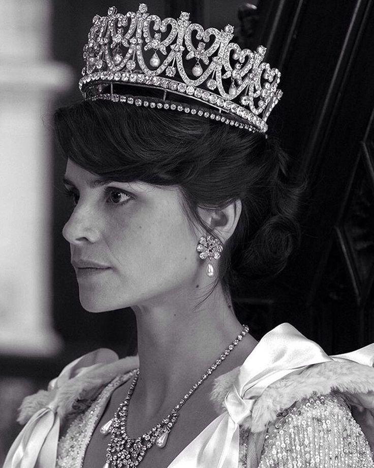 "Шарлотта Райли, она же Кейт Мидлтон, она же жена прекрасного мужа. Кадр из сериала "" Король Чарльз III. #томхарди#харди#шарлоттарайли#корольчарльз#сериал#ббс#кино#фильм#лондон#весна#звезды#знаменитости#tomhardy#hardy#tomhardyrus#wife#tvseries#movie#cinema#london#uk#spring#kingcharles#stars#celebrity http://tipsrazzi.com/ipost/1519904272502174827/?code=BUXyOIPFzRr"
